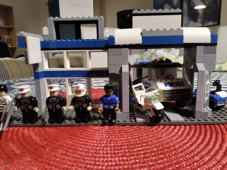 Esquadra de polícia - Lego compatível São Salvador E Santa Maria - imagem 1