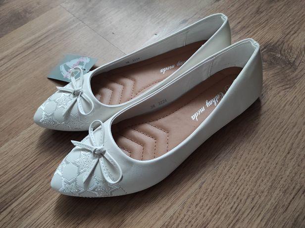 Buty damskie na komunię