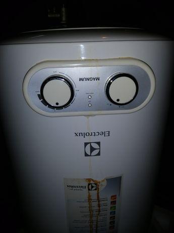 Продам водонагреватель (бойлер) 50 л Electrolux!!!