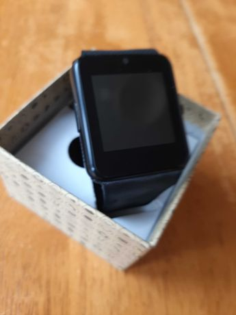 Smartwatch w dobrym stanie