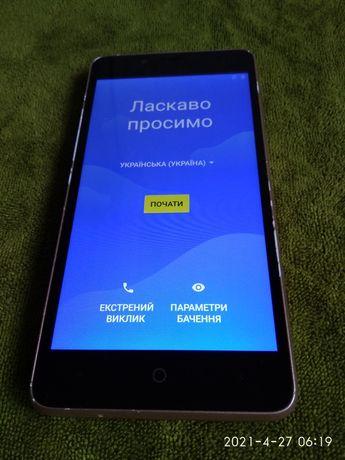Смартфон ерго 501