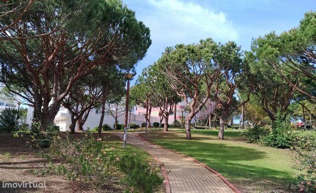 Apartamento T1 Perto da Praia, Parque, Clube de Tênis - Orientação Sul