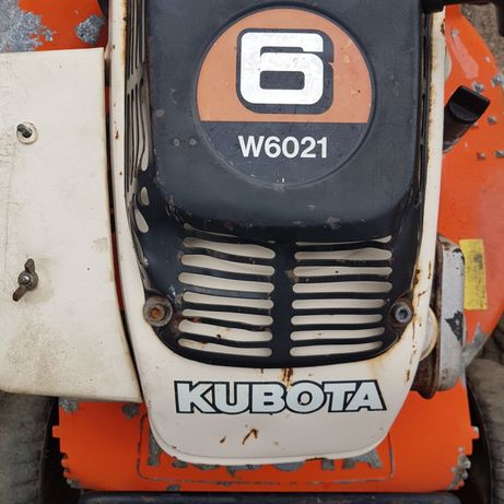 Corta relva kubota proficional w6021 com embraiagem de lamina