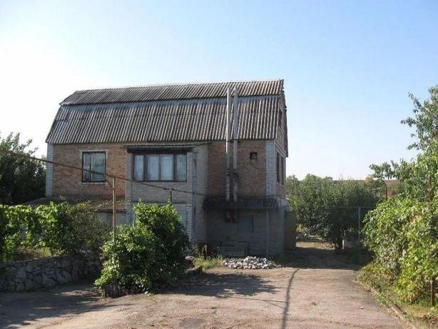 Продам двух  этажный дом