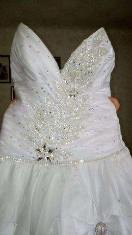 Продам свадебное платье+фата, дешево!