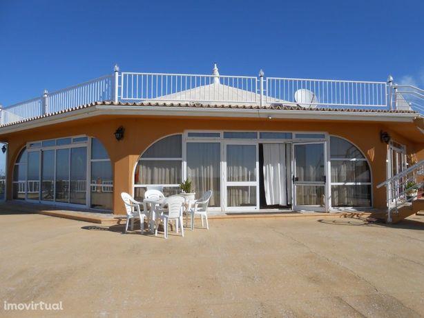 Restaurante com vistas deslumbrantes no Algarve genuíno