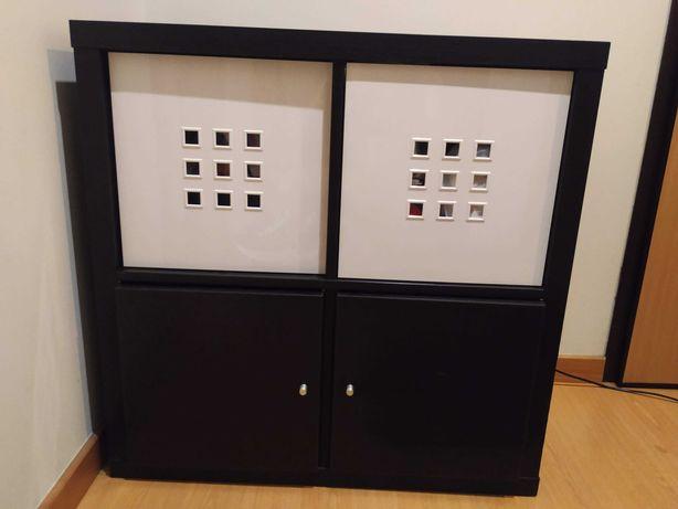 Armário IKEA de cor preta
