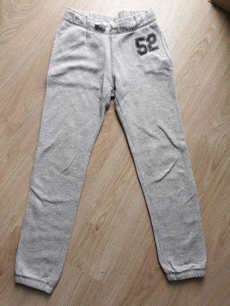 C&A Spodnie dresowe r.146 dla chłopca