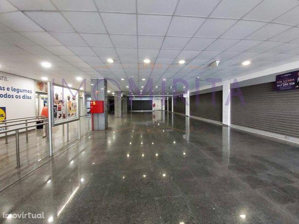 »100% Financiamento - Lojas com Parqueamento e Arrecadaçã...