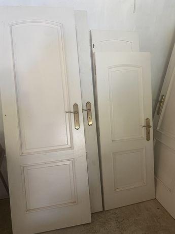 Portas de Madeira Maciça em Lacado Branco