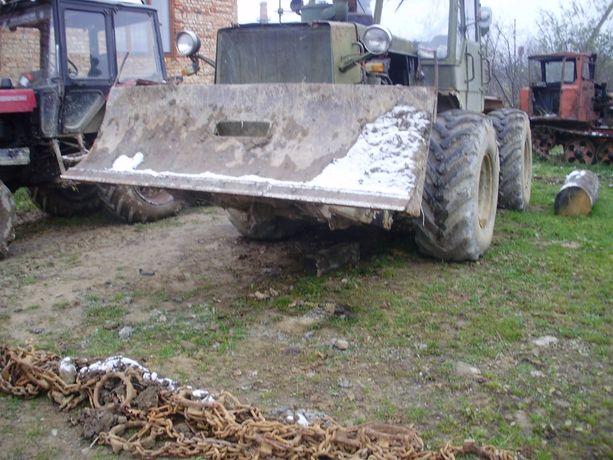 трелювальний трактор т 150