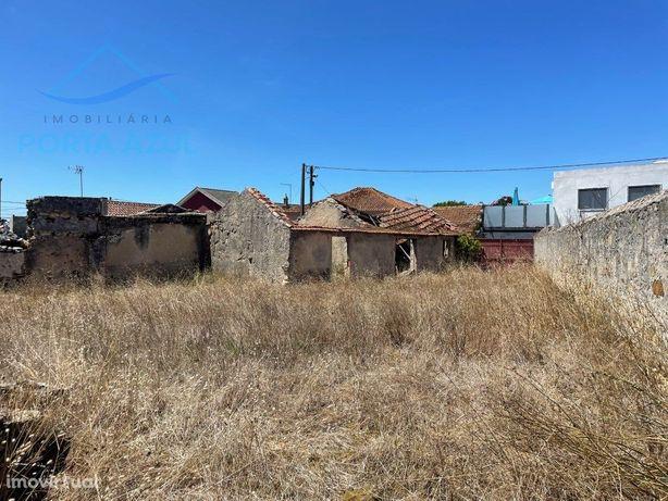 Moradia para restauro em Vale Paraíso