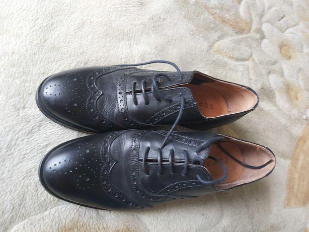 Продам туфли кожанные Италия 37р