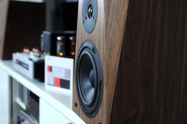 Kolumny podstawkowe,monitory,głośniki z niemieckiej manufaktury.