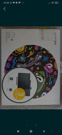Tablet graficzny piórkowy Wacom Intuos M