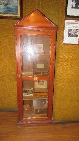 Bonito armário Tabaqueira antigo