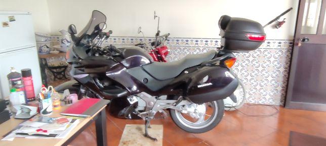 Vendo Honda Deauville 650