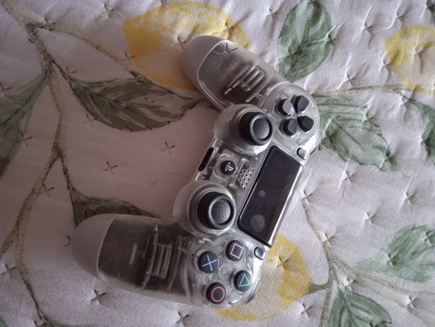 Comando PS4 novo