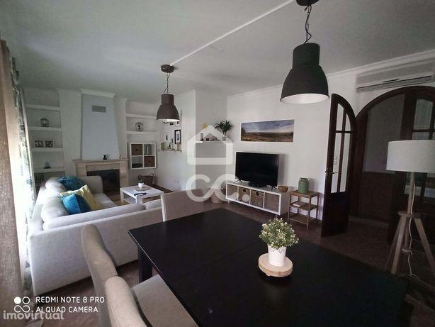 Excelente Apartamento T2 em Quinta del Rei