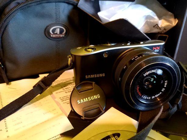 Najlepszy bezlusterkowiec Samsung NX100 hybryda, piękny zestaw!