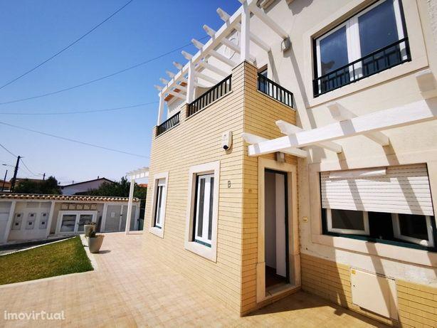 Moradia T2 em condomínio com piscina Palhagueiras Torres ...