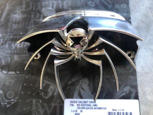 Kuryakyn Harley osłona lampy tylnej Pająk - Widow