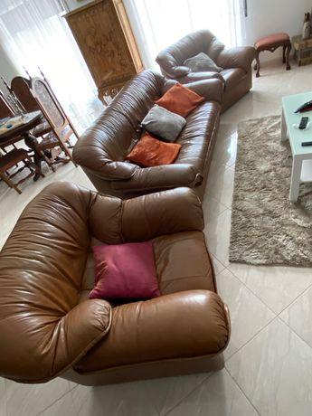 URGENTE conjunto sofás em couro