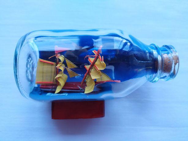 Корабль в бутылке