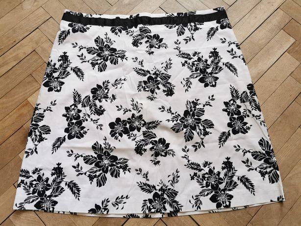 Spódnica biała w czarne kwiaty z USA, XL