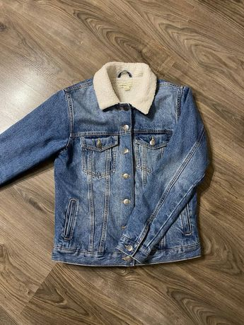 Продам женскую, джинсовую куртку Ostin