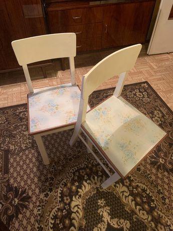 Krzesla drewniane 2 szt