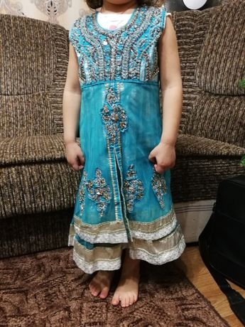 Платье девочки 3-4