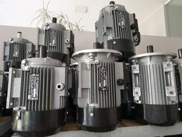 Электродвигатель 380В електромотор трехфазный однофазный АИР 220В