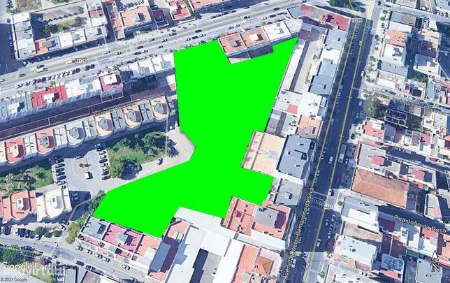 Terreno 6.450m2 (Avenida D. João VI) para construção de vários Prédios