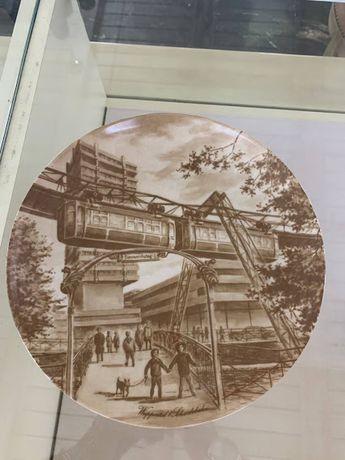 Декоративная настенная тарелка .Винтаж.Kaiser(Германия)