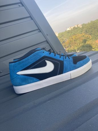 Nike Ruckus Mid LR(Adidas,New Balanace,Asics,stone island,the north fa