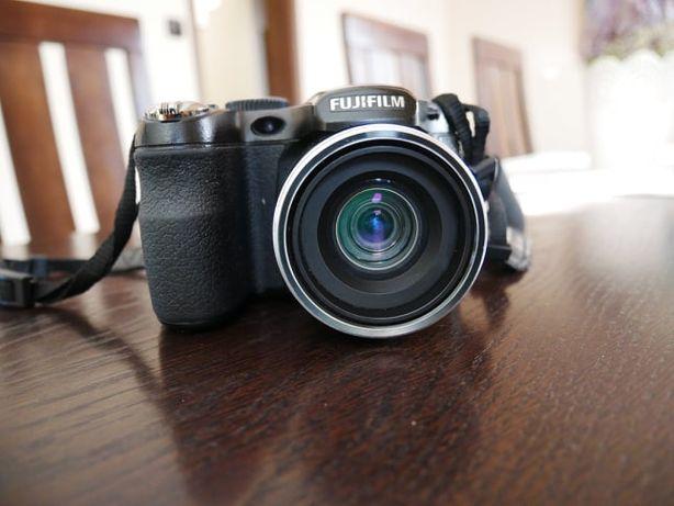 Aparat cyfrowy FUJIFILM S2960 FinePix S