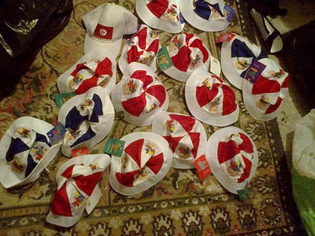kapelusiki dziecięce 14 sztuk klaun