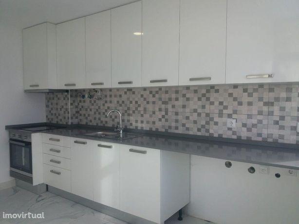Apartamento T4 no Alto Seixalinho, completamente remodelado!