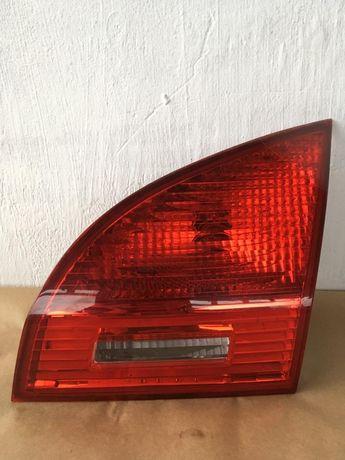 Kia Venga 09-15 lampa prawa w klapę tył
