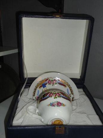 Chávena decorativa T. Limoges