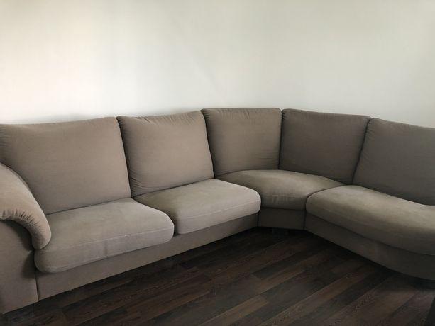 Bardzo duża rozkładana narożna brązowa kanapa narożna Ikea