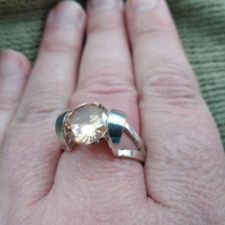 Серебрянное кольцо размер 19