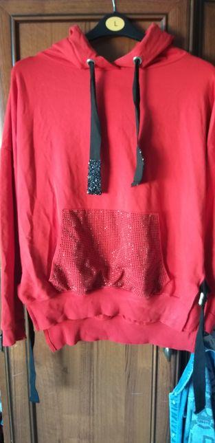 Czerwona bluza z cekinami