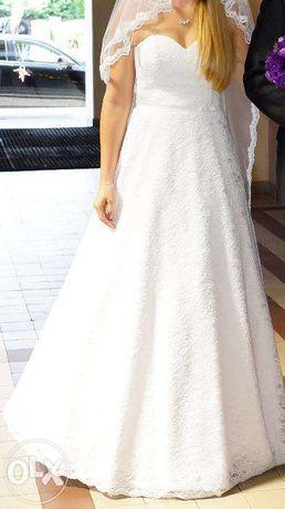 Piękna koronkowa suknia ślubna rozmiar 38 + welon. Na 173cm+6cm obcas
