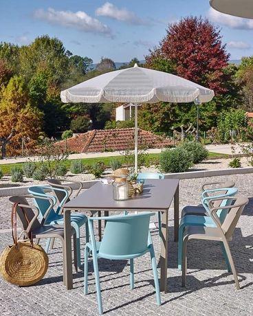 Cadeira Fado espalanada/jardim/interior