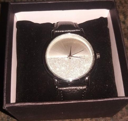 Quiosque zegarek w kolorze srebrnym nowy