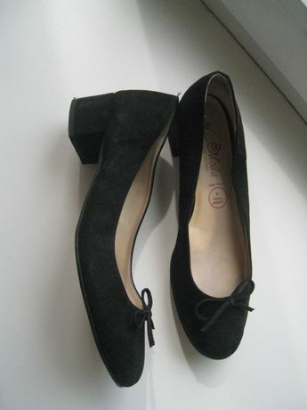 кожаные женские туфли на р.39 - 25см
