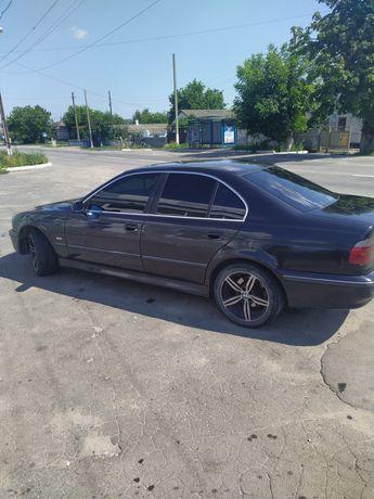 BMW e39.      Черный