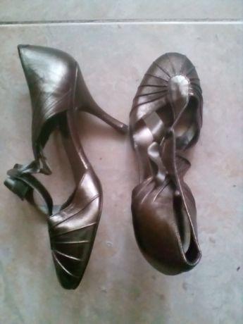 Sapatos de cerimónia 38